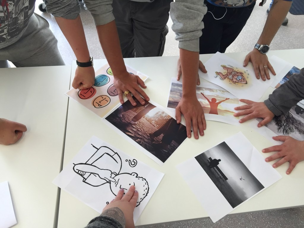 Photos partage activités mains