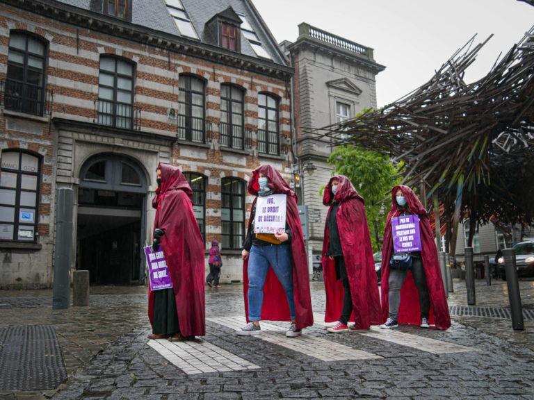 Rassemblement pour le droit à l'IVG pour TOUTES les femmes